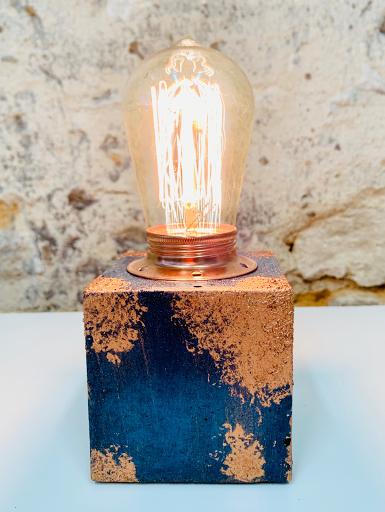 lampe béton patiné bleu pétrole et cuivre