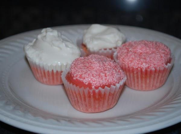 Champagne & Strawberry Cupcakes Recipe
