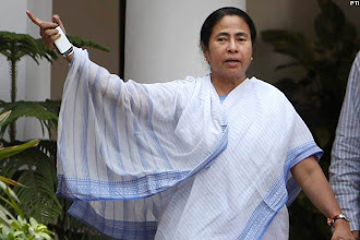 Photo: WB: Mamata Banerjee brands questioner at rally 'Maoist', has him arrested http://t.in.com/3q0O