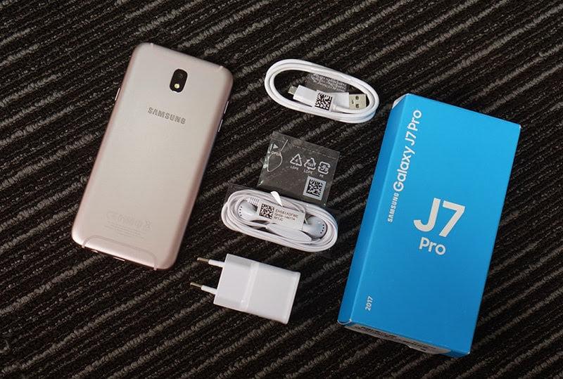 Trên tay điện thoại Samsung Galaxy J7 Pro phiên bản màu hồng