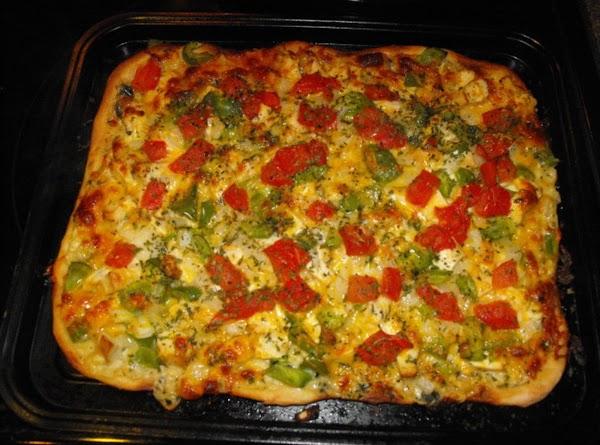 Creamy Garlic Chicken Pizza Recipe