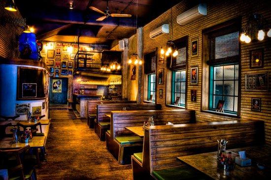 places-no-cover-charge-bangalore_monkey_bar_1