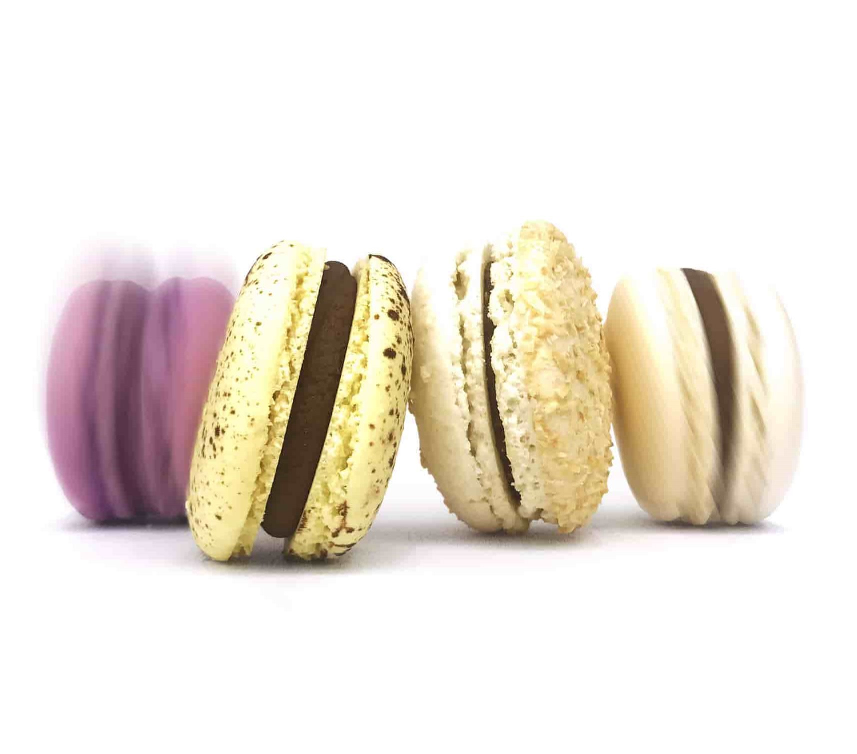 Tips to Chop and Grate Chocolate; Melt's macaroons filled with chocolate filling