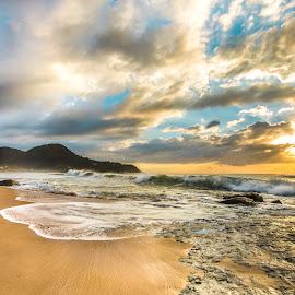 Sunrise in Estaleiro Beach by Rqserra Henrique - Landscapes Beaches ( sunrise, rocks, beach, clouds, splash, wave, rqserra )