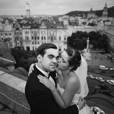 Wedding photographer Yarema Ostrovskiy (Yarema). Photo of 09.10.2015