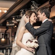 Wedding photographer Artem Kozhevnikov (Kozevnikov). Photo of 23.10.2013