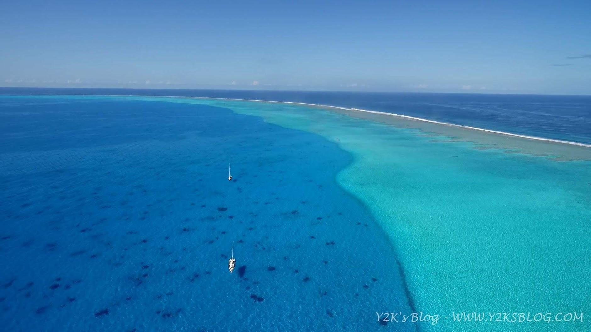 """Dal drone: """"Y2K"""" e più indietro """"Cinnabar"""" fluttuano nel nulla - Beveridge Reef"""
