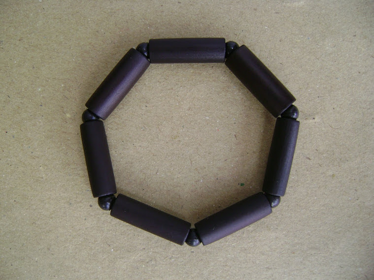 salah satu bentuk jadi kerajinan goreng berbentuk gelang