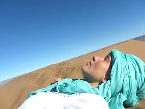 Photo: Libération dans les sables du Désert