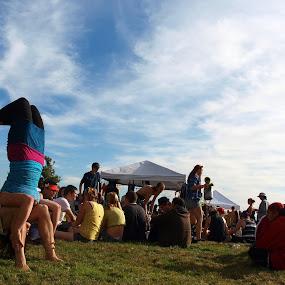 Seattle Hempfest by Vanessa Latrimurti - News & Events Entertainment ( washington, seattle, summer, hempfest, crowd, yoga )