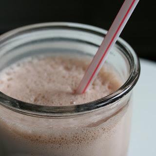 3 Ingredient Nutella Milkshake Recipe
