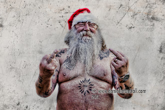 Photo: Let's hope he sorts him self out only a few days to go, come on santa pull it together!!  a huge thank you to my most awesome model Mick Randall :)