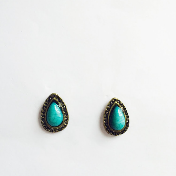 E012 - B. Teardrop Vintage Earrings