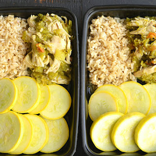 Meal Prep Hatch Green Chile Chicken {GF, Low Cal, Paleo}.