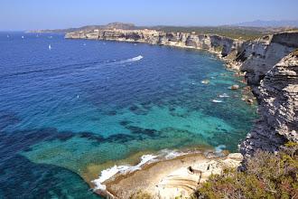 Photo: malebné scenérie na Bonifácio s útesmi