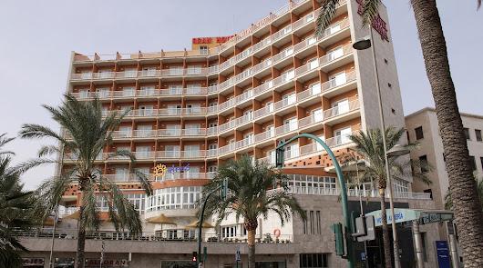 El Gran Hotel Almería no abrirá hasta diciembre por el cierre de Andalucía
