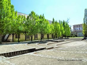 Photo: Les fondations de la salle historique où se réunissait les Etats Généraux en 1789 - Hôtel des Menus plaisirs du Roi à Versailles - e-guide balade à vélo de Versailles à Meudon par veloiledefrance.com