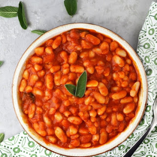 Fagioli All'uccelletto - Beans In Tomato Sauce.