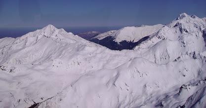 Photo: Pic de Montaigu à gauche , pic du Midi de bigorre à droite, séparés par la Hourquette d'Ouscouaou