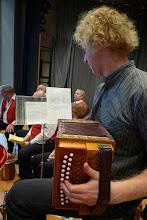 Photo: Kirchenliederbegleitung durch Simon Dettwiler