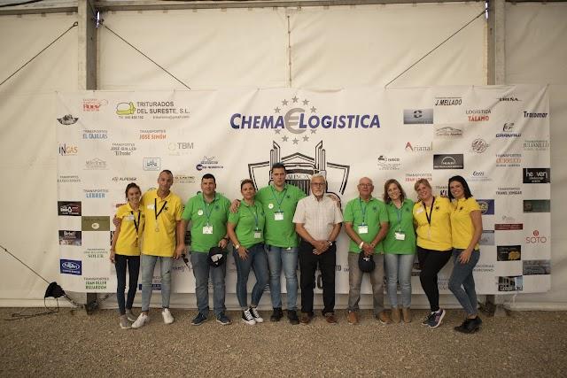 'Locos por los Camiones', organizadores del evento, junto a José Campoy.