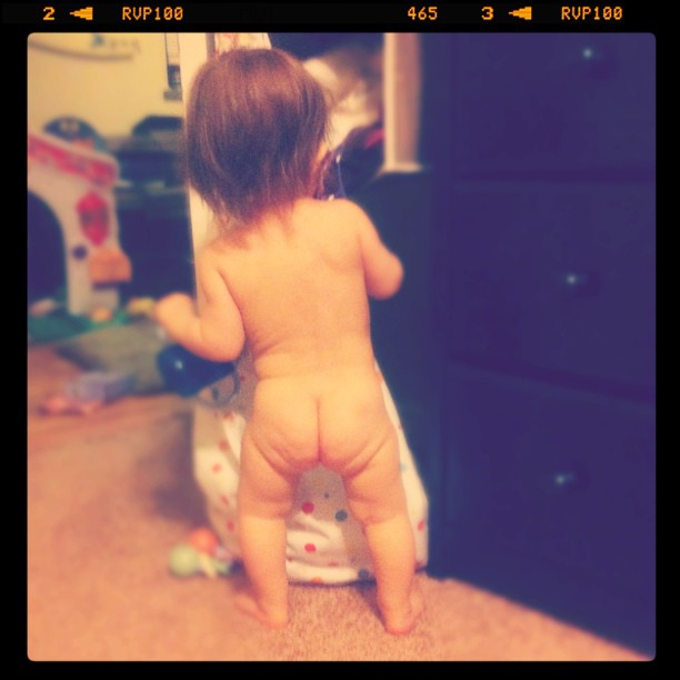 Photo: Naked baby butt!