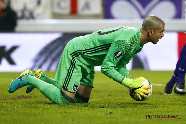 ? L'ancien gardien d'Anderlecht se troue complètement... comme Tristan Peersman contre Charleroi