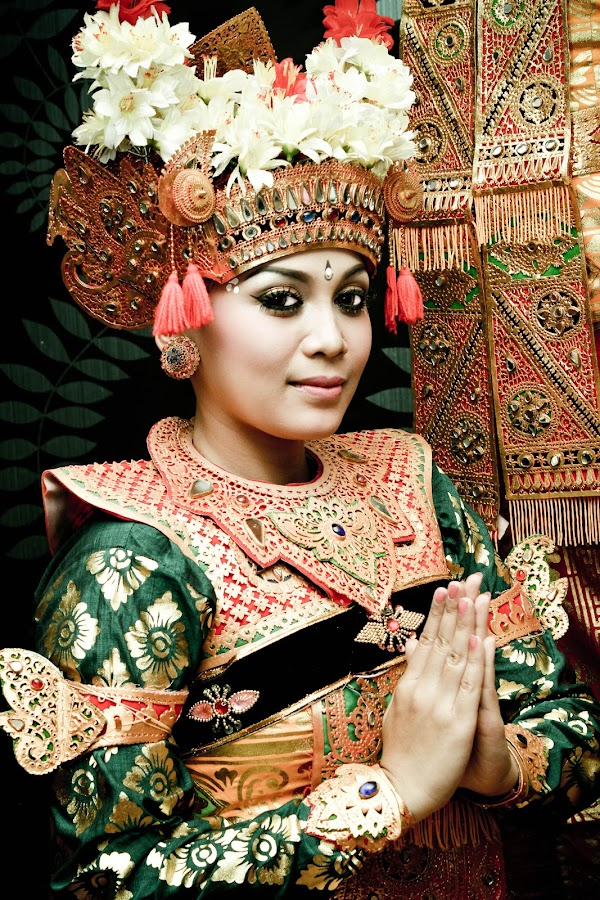 Balinese by Ar Dias - People Musicians & Entertainers