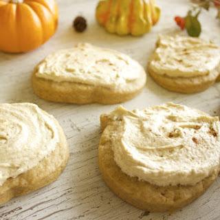 Vegan Cinnamon-Spiced Pumpkin Sugar Cookies & Frosting