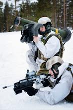 Photo: Soldater fra Telemark bataljon trener med en Javelin panserbrytende missilSoldiers from Telemark Batalion using a Javelin anti-tank guided missile during an exercise at RenaJawelin missil