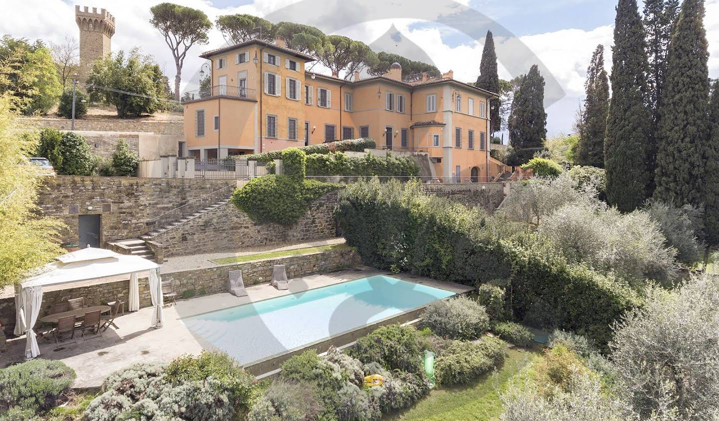 Villa with pool and garden Florence