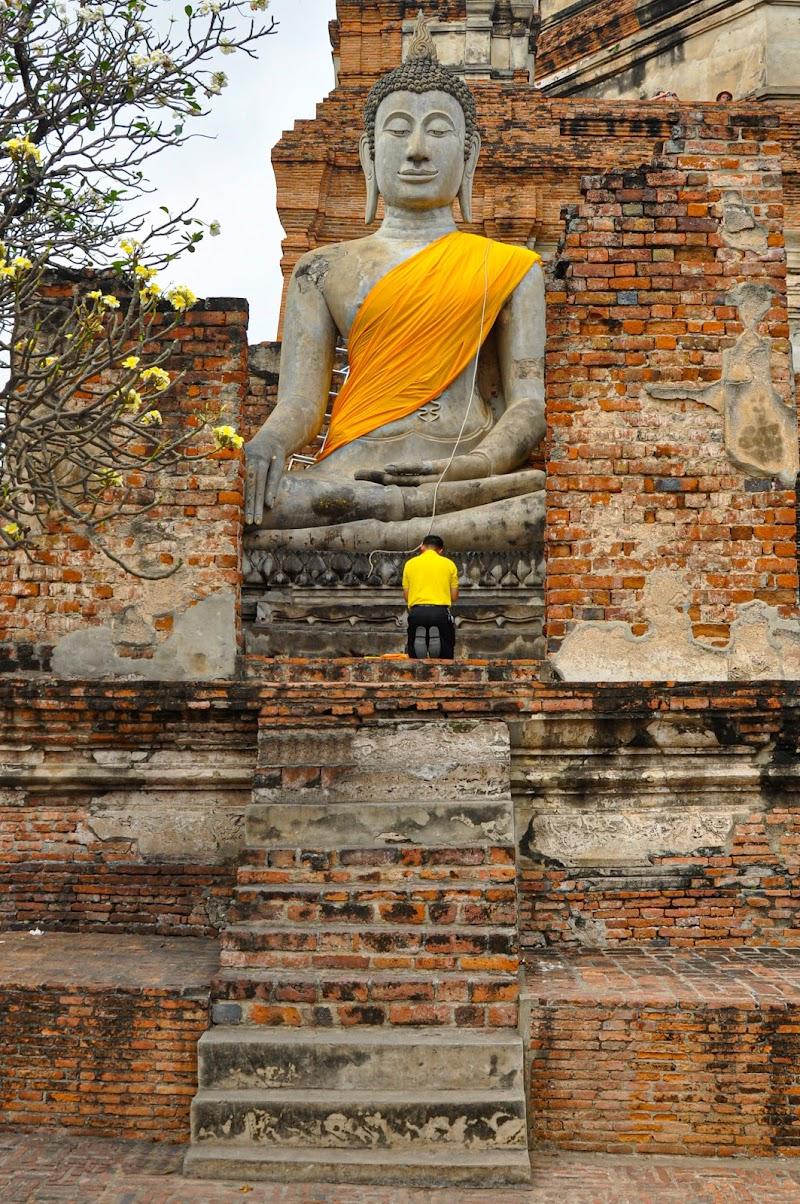 Buddha Bhumisparsha di Melo