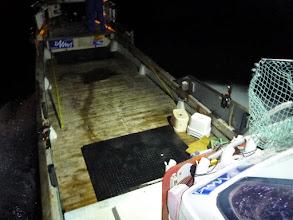Photo: このスペースで船長が見つけて 我々がカニをすくいます!