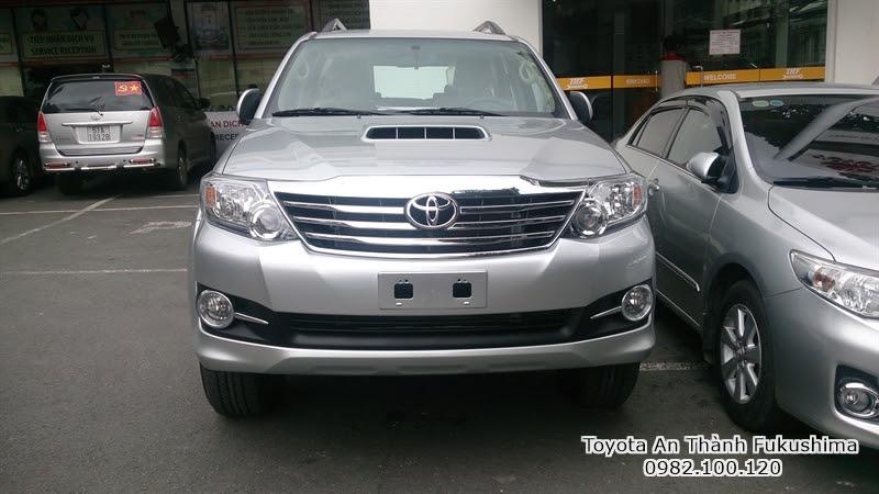 Khuyến Mãi Giá Xe Toyota Fortuner 2.5G Máy Dầu Số Sàn Mới 1