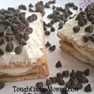 No-Bake Chocolate Eclair Sandwiches