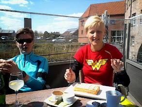 Photo: De eerste training na Turijn werd onderbroken voor een wafel met koffie!
