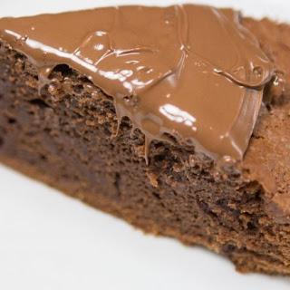 3-ingredient Nutella chocolate cake.