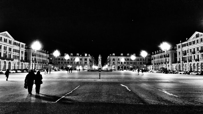 Pza Galimberti by night di RobertaSilvestro