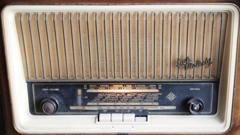 radio dal dolce suono antico di dst56