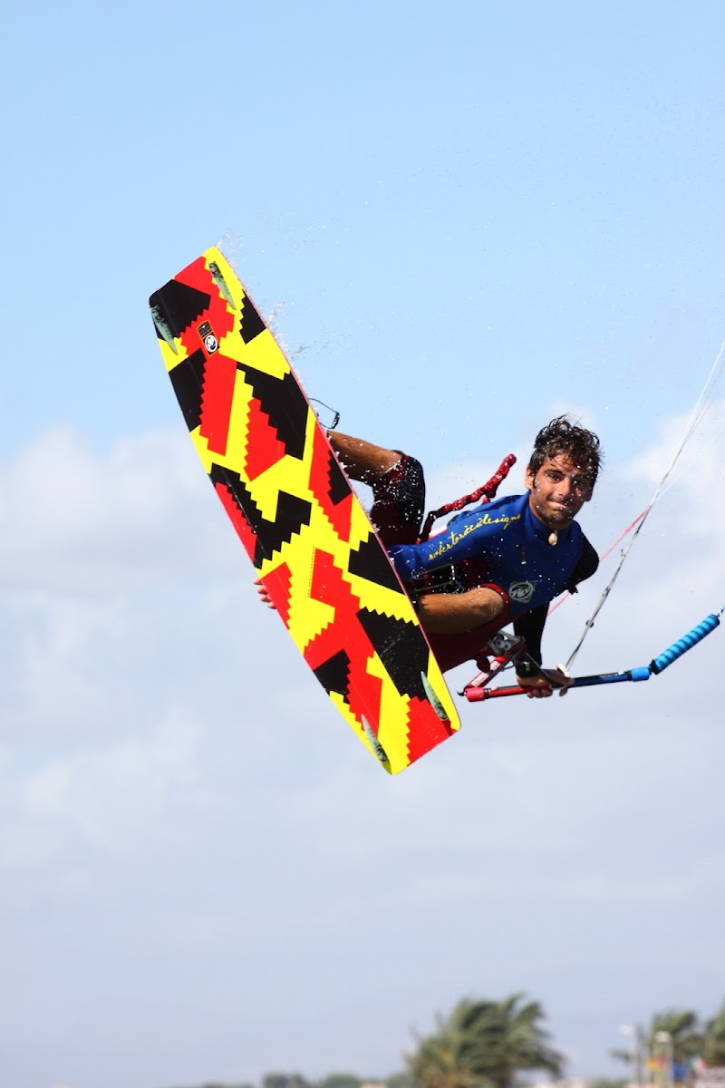 yellow kite surf di dada79