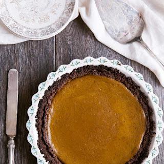 Healthy Pumpkin Pie with Chocolate Graham Cracker Crust (Gluten Free!).