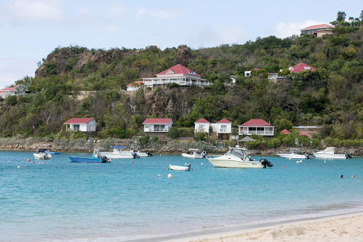 st-jean-beach-houses-st-barts.jpg - Houses facing the bay at St. Jean Beach in St. Barts.