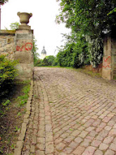 Photo: Unpromising driveway up to the castle