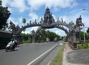 Photo: vstupní brána na Bali