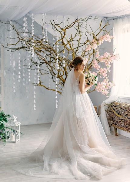 शादी का फोटोग्राफर Aleksey Antonov (topitaler)। 03.03.2019 का फोटो