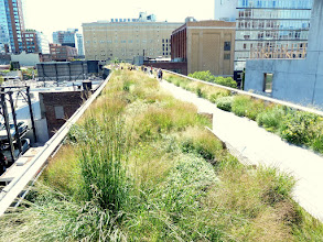 Photo: High Line looking south from 21st Street