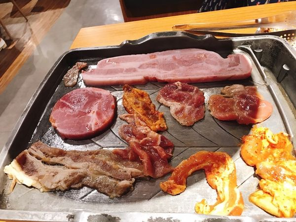 299元韓式烤肉吃到飽!!! 近漢神巨蛋火烤兩吃CP值高。高雄吃到飽,好好吃肉。