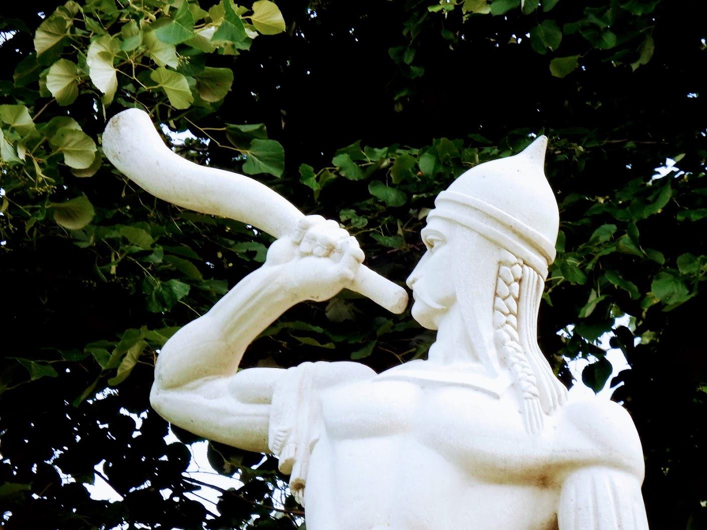 Árpád-kori kürtös a Jáki úti köztemetőben