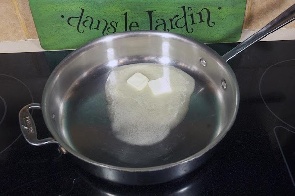 Add the butter and the lemon juice to a sauté pan, over medium heat.