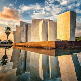 Italy, Marina di Massa, Le vele by Sergio Savi - Buildings & Architecture Statues & Monuments